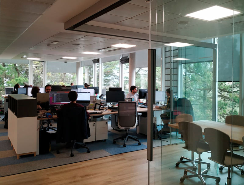 Workplace at the Alor offices in Donostia San Sebastián